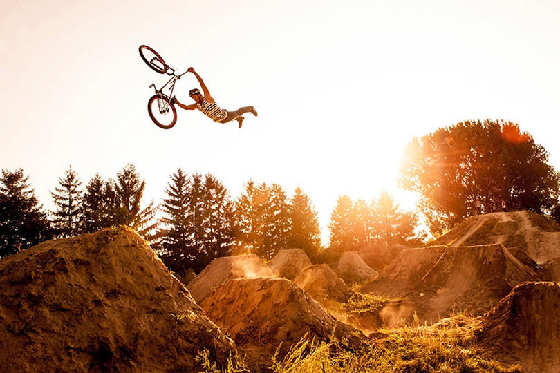 Exciting-extreme-footage-of-photo-contest-Red-Bull-Illume-vinegret (3)