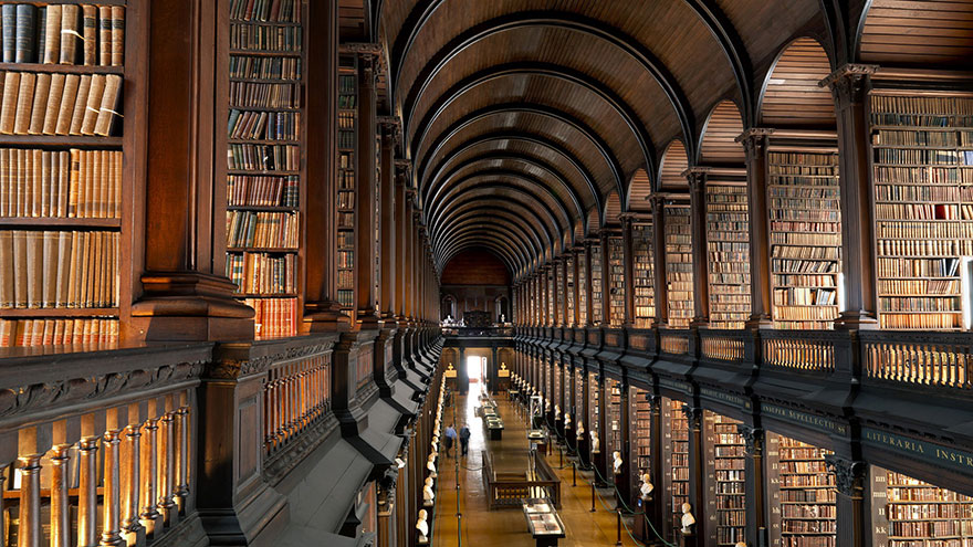 trinity-college-long-room-library-dublin-vinegret (3)