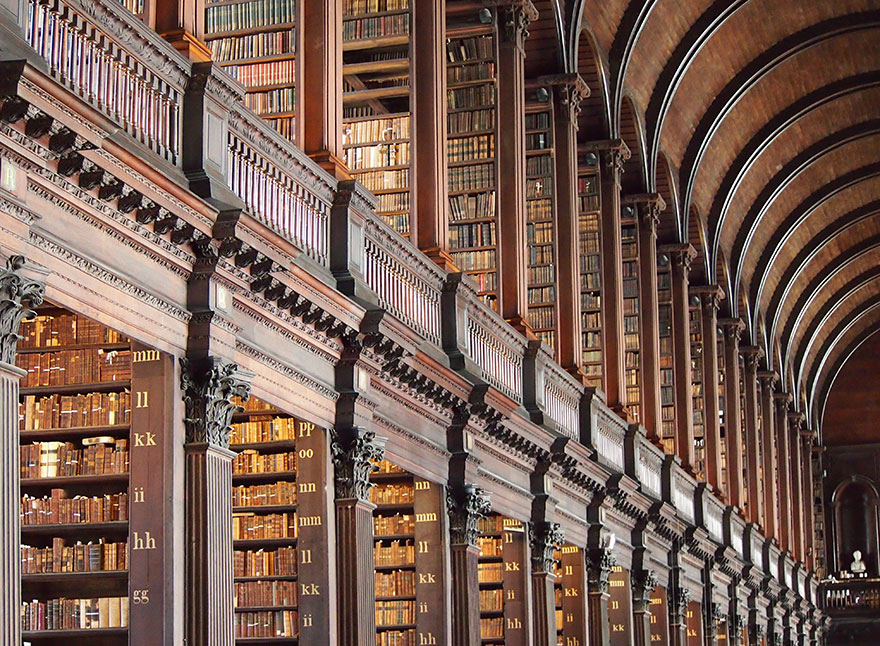 trinity-college-long-room-library-dublin-vinegret (4)