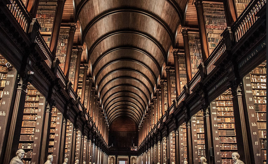 trinity-college-long-room-library-dublin-vinegret (6)
