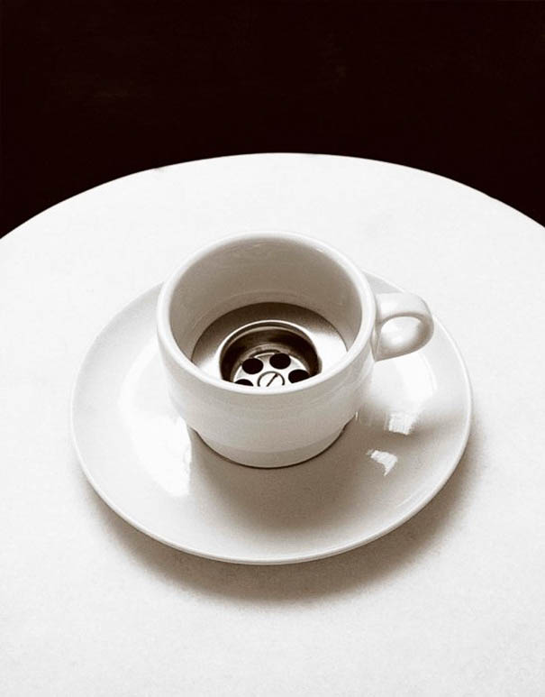 black-and-white-photography-optical-illusions-chema-madoz-jose-maria-rodriguez-vinegret (17)