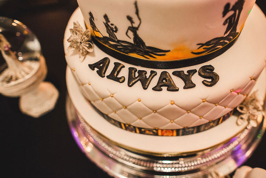 harry-potter-themed-wedding-cassie-lewis-byrom-vinegret (23)