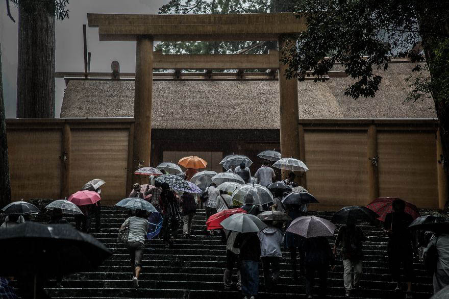 Emotional-some-views-of-Japans-rainy-season-vinegret (3)