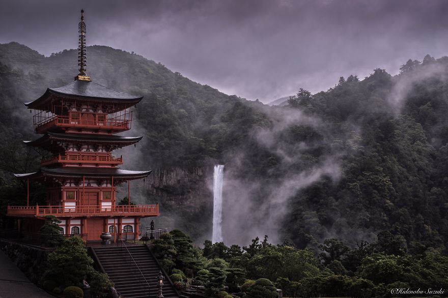 Emotional-some-views-of-Japans-rainy-season-vinegret (8)