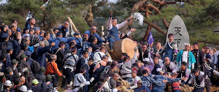 Onbashira-Festival-Japan-vinegret (5)