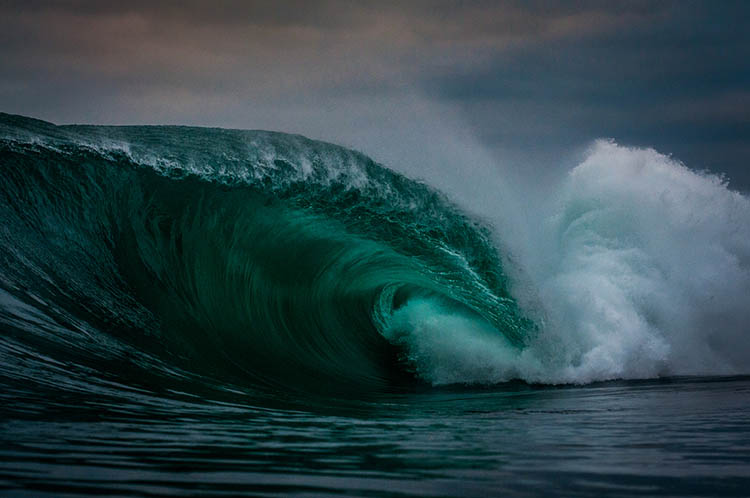 Surfer-photographer-Leroy-Bellet-and-his-impressive-shots-vinegret (11)