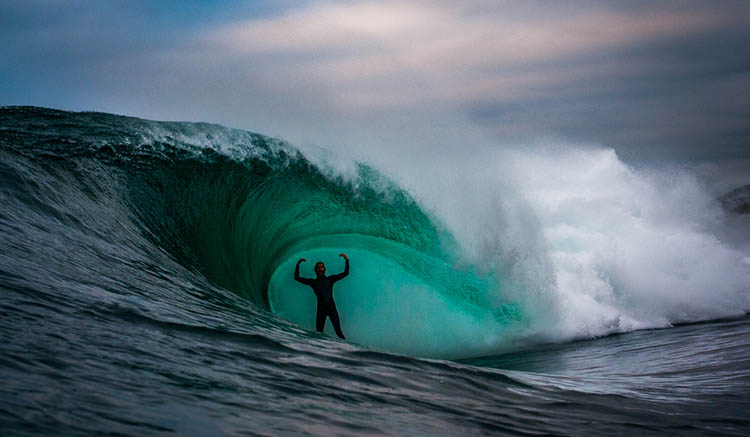 Surfer-photographer-Leroy-Bellet-and-his-impressive-shots-vinegret (12)