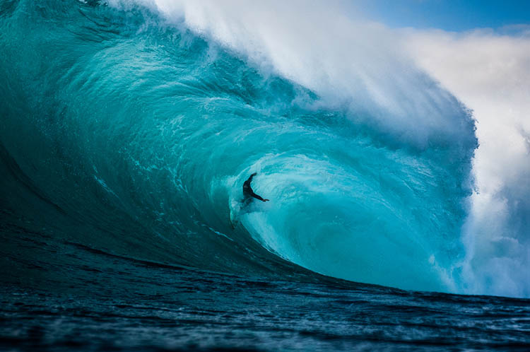 Surfer-photographer-Leroy-Bellet-and-his-impressive-shots-vinegret (2)