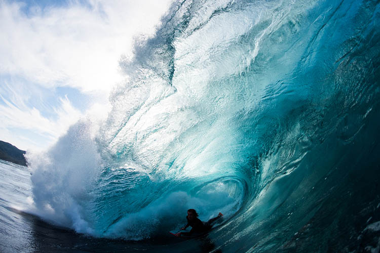 Surfer-photographer-Leroy-Bellet-and-his-impressive-shots-vinegret (5)