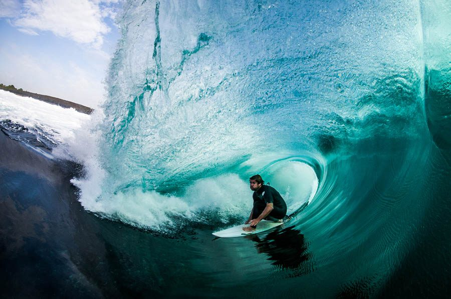 Surfer-photographer-Leroy-Bellet-and-his-impressive-shots-vinegret (8)