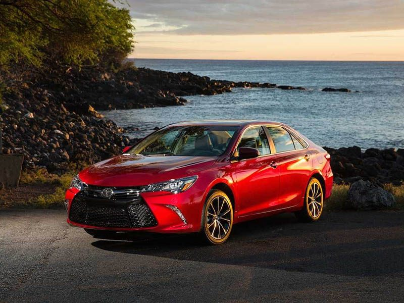 best-midsize-car-toyota-camry-vinegret