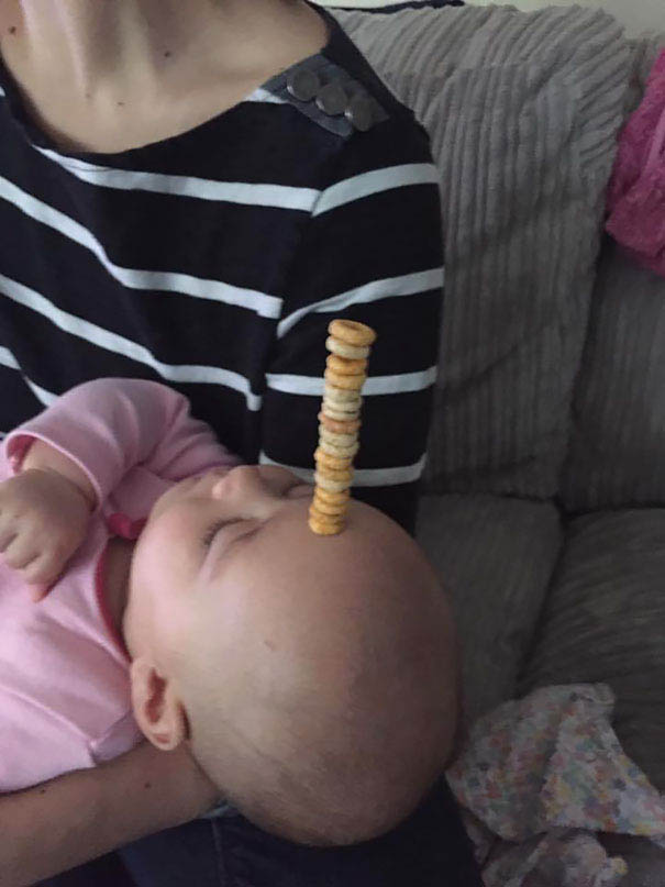 cheerio-challenge-dads-stack-cheerios-babies-funny-competition-vinegret (6)