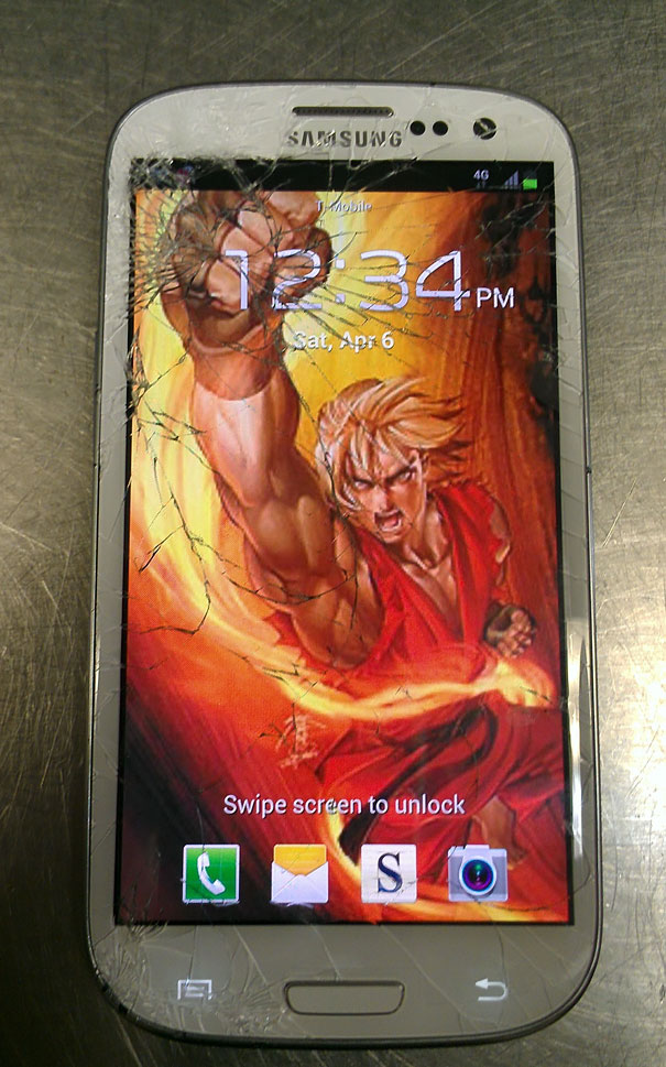 cracked-phone-screen-funny-solutions-wallpapers-vinegret (2)