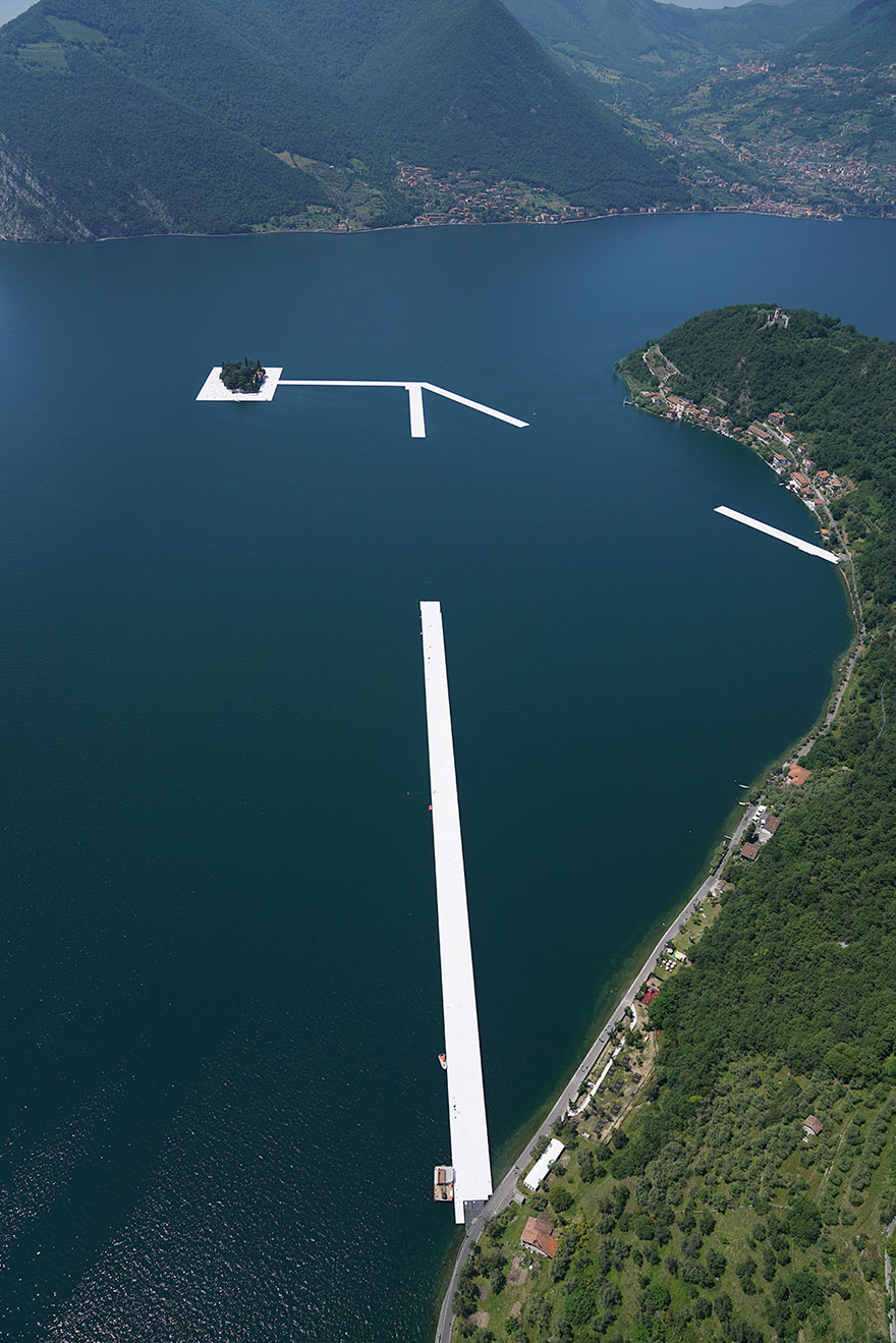 floating-piers-christo-jeanne-claude-italy-vinegret (9)