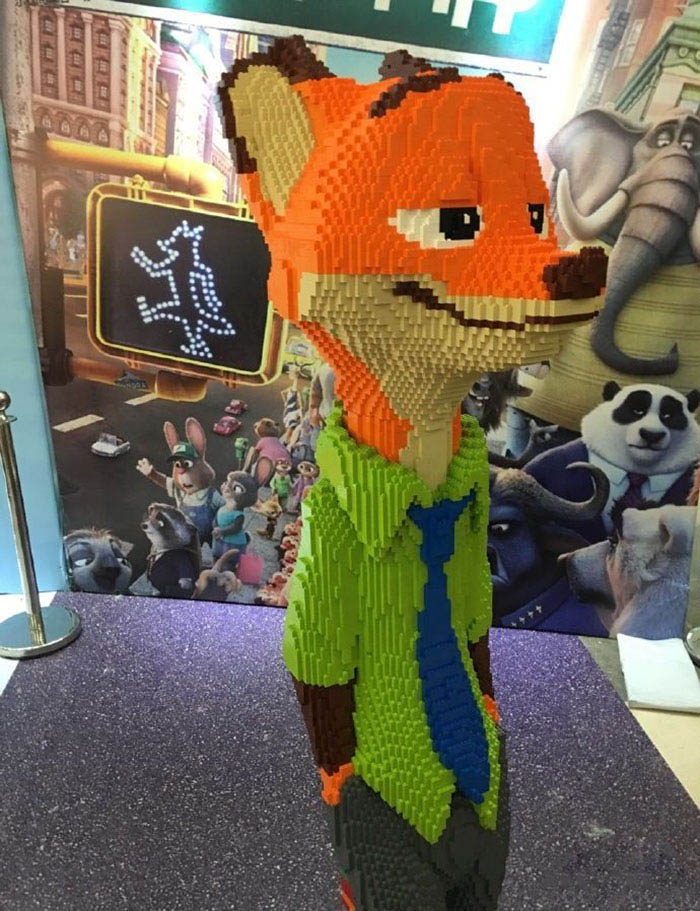 kid-destroys-lego-sculpture-zootopia-zhao-vinegret (1)