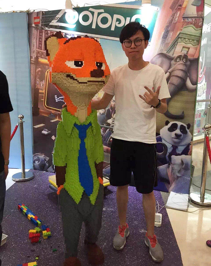 kid-destroys-lego-sculpture-zootopia-zhao-vinegret (3)