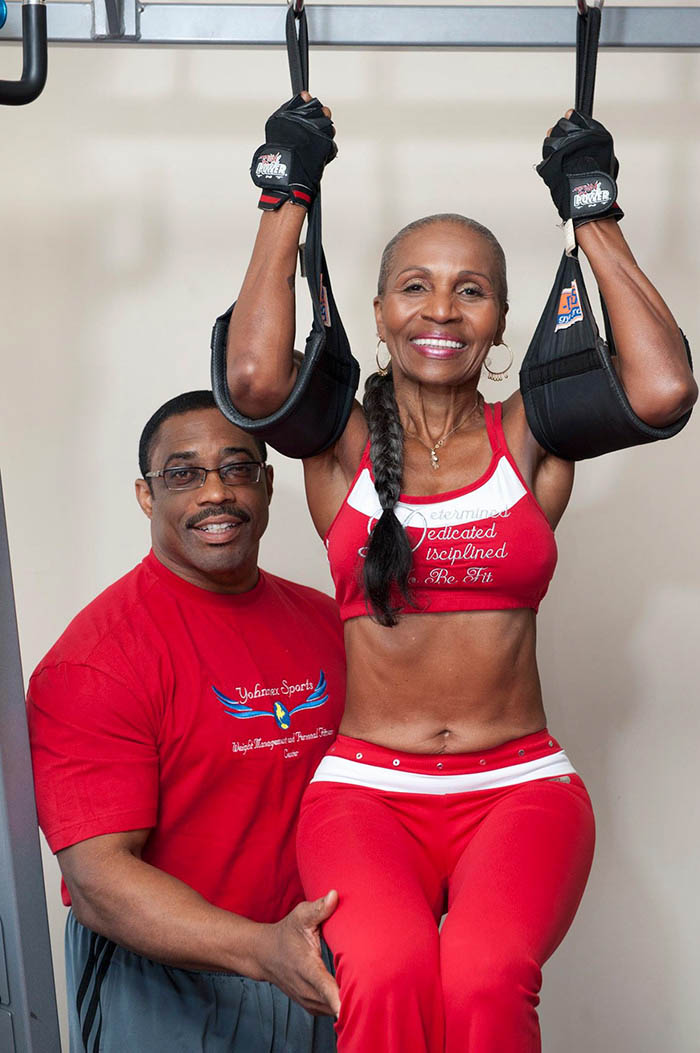 oldest-female-bodybuilder-grandma-80-year-old-ernestine-shepherd-vinegret (4)