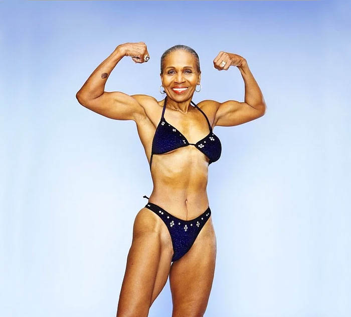 oldest-female-bodybuilder-grandma-80-year-old-ernestine-shepherd-vinegret (8)