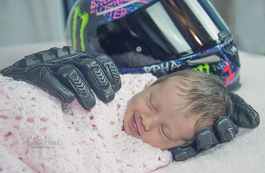 smiling-baby-late-father-motorcycle-gloves-aubrey-kathryn-williams-kim-stone-vinegret (1)