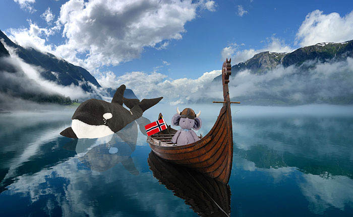 lost-toy-travel-world-photoshop-battle-vinegret (5)