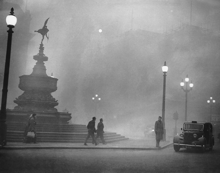 london-fog-old-vintage-photography-20th-century-vinegret (11)