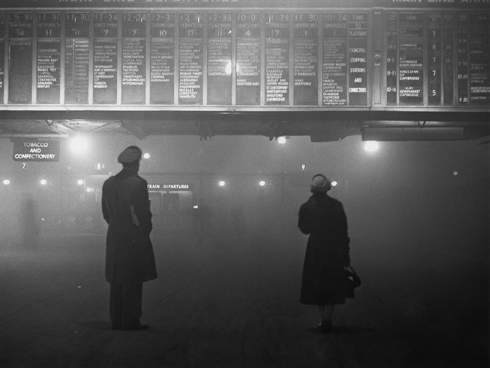 london-fog-old-vintage-photography-20th-century-vinegret (13)