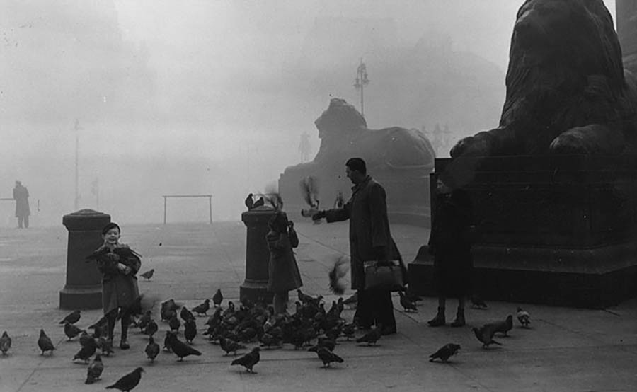 london-fog-old-vintage-photography-20th-century-vinegret (15)