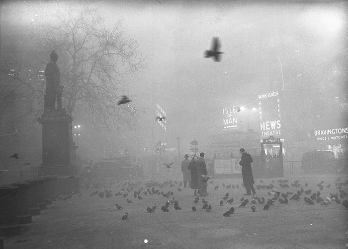 london-fog-old-vintage-photography-20th-century-vinegret (17)