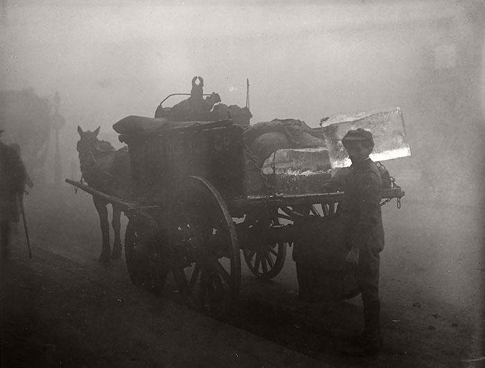 london-fog-old-vintage-photography-20th-century-vinegret (19)