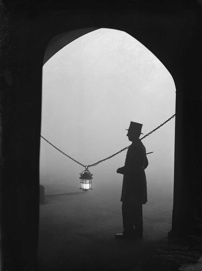 london-fog-old-vintage-photography-20th-century-vinegret (20)
