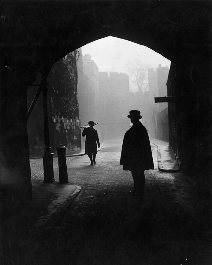 london-fog-old-vintage-photography-20th-century-vinegret (6)