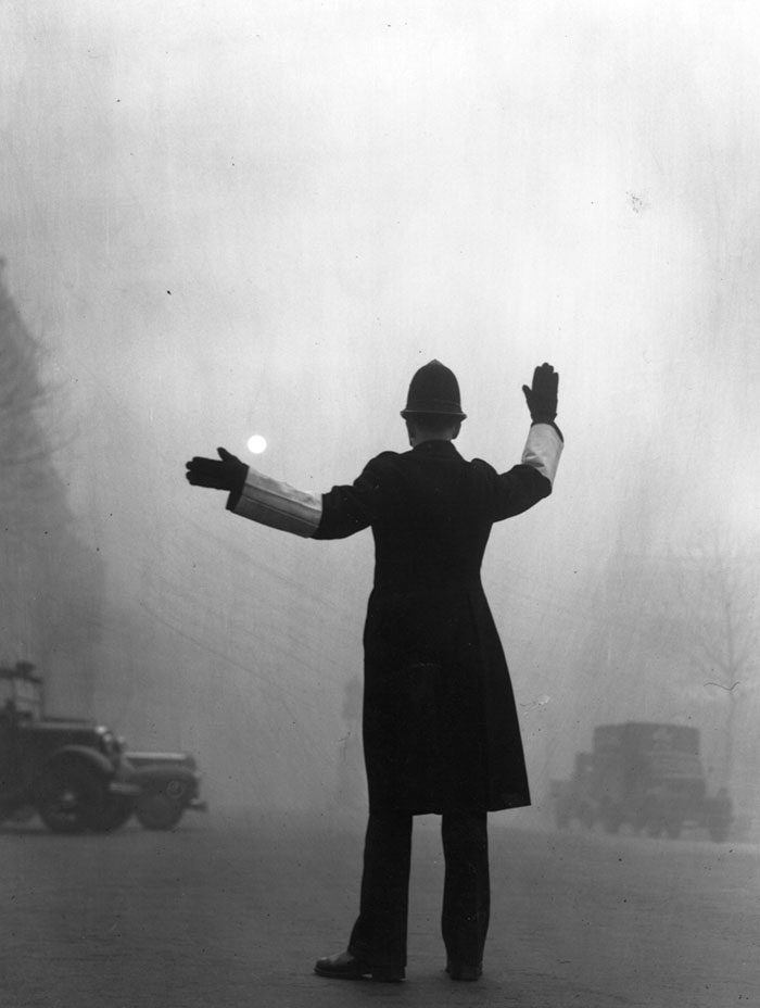 london-fog-old-vintage-photography-20th-century-vinegret (8)