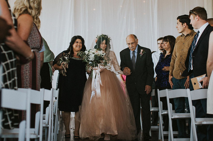 paralyzed-bride-walks-at-wedding-jaquie-goncher-vinegret (7)