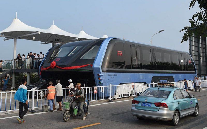 transit-elevated-bus-first-test-ride-qinhuangdao-china-vinegret (1)