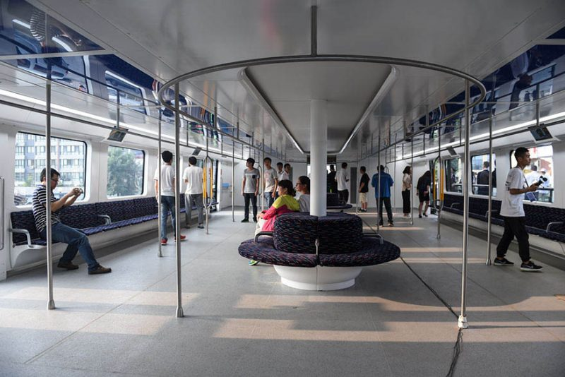 transit-elevated-bus-first-test-ride-qinhuangdao-china-vinegret (2)