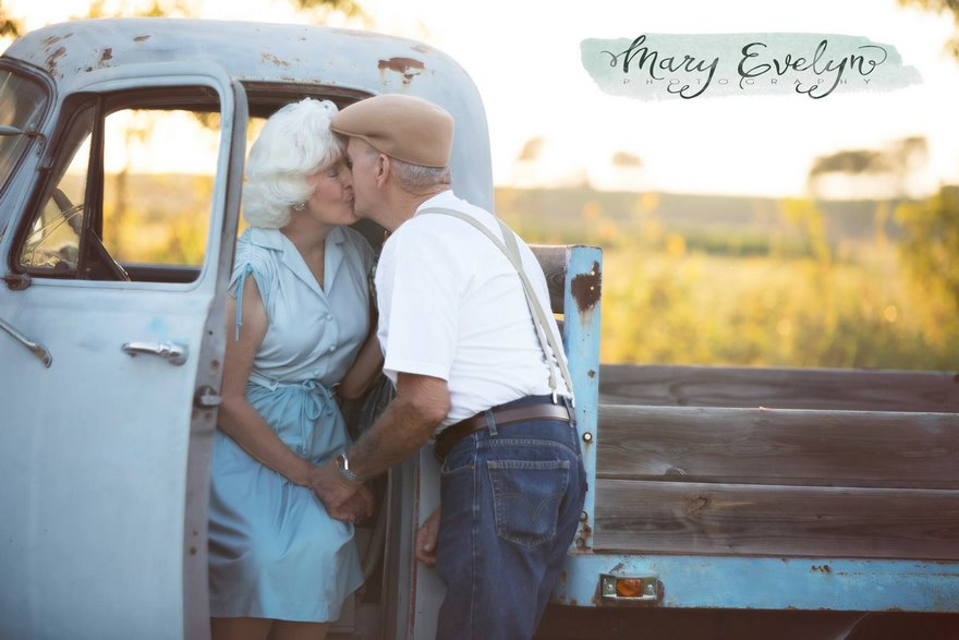 57-years-marriage-elderly-couple-love-notebook-photoshoot-mary-evelyn-clemma-sterling-elmor-vinegret-3