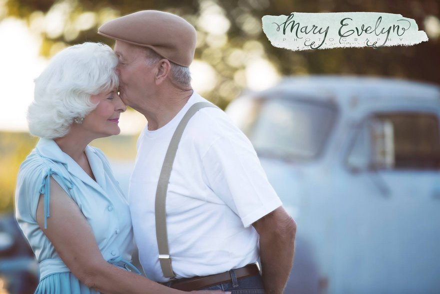 57-years-marriage-elderly-couple-love-notebook-photoshoot-mary-evelyn-clemma-sterling-elmor-vinegret-7