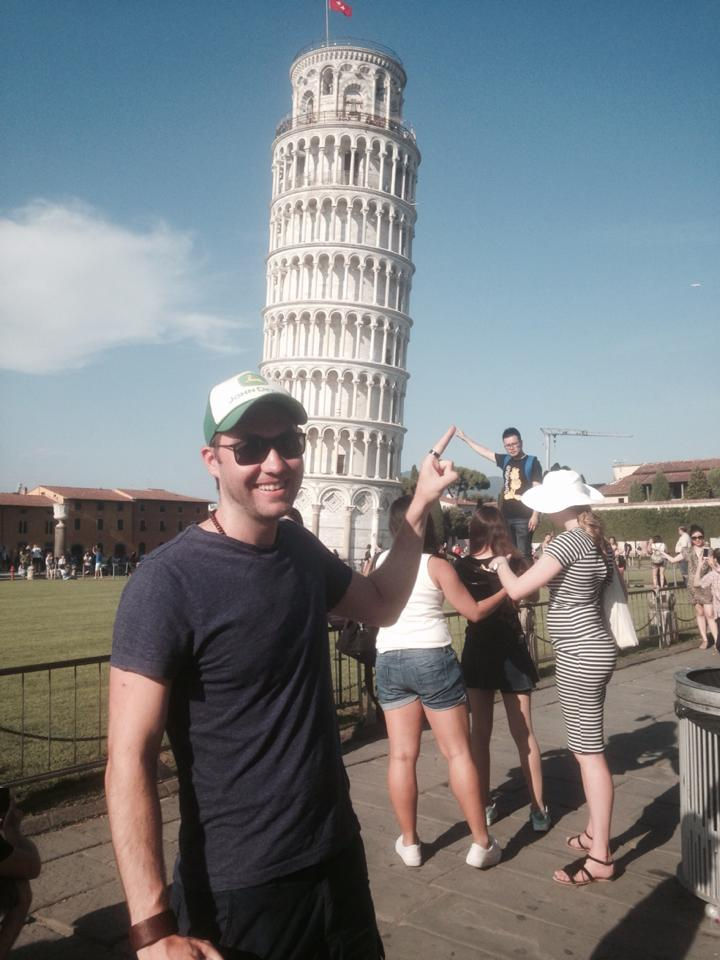 funny-tourists-leaning-tower-of-pisa-vinegret (7)