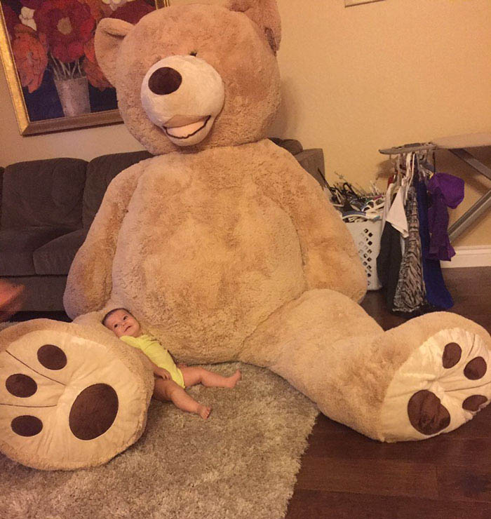 grandfather-baby-gift-giant-teddy-bear-madeline-jane-sabrina-gonzalez-vinegret-2