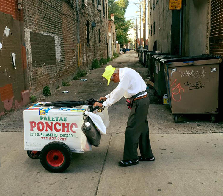 senior-man-pushing-cart-popsicle-street-seller-fundraiser-fidencio-sanchez-vinegret-1