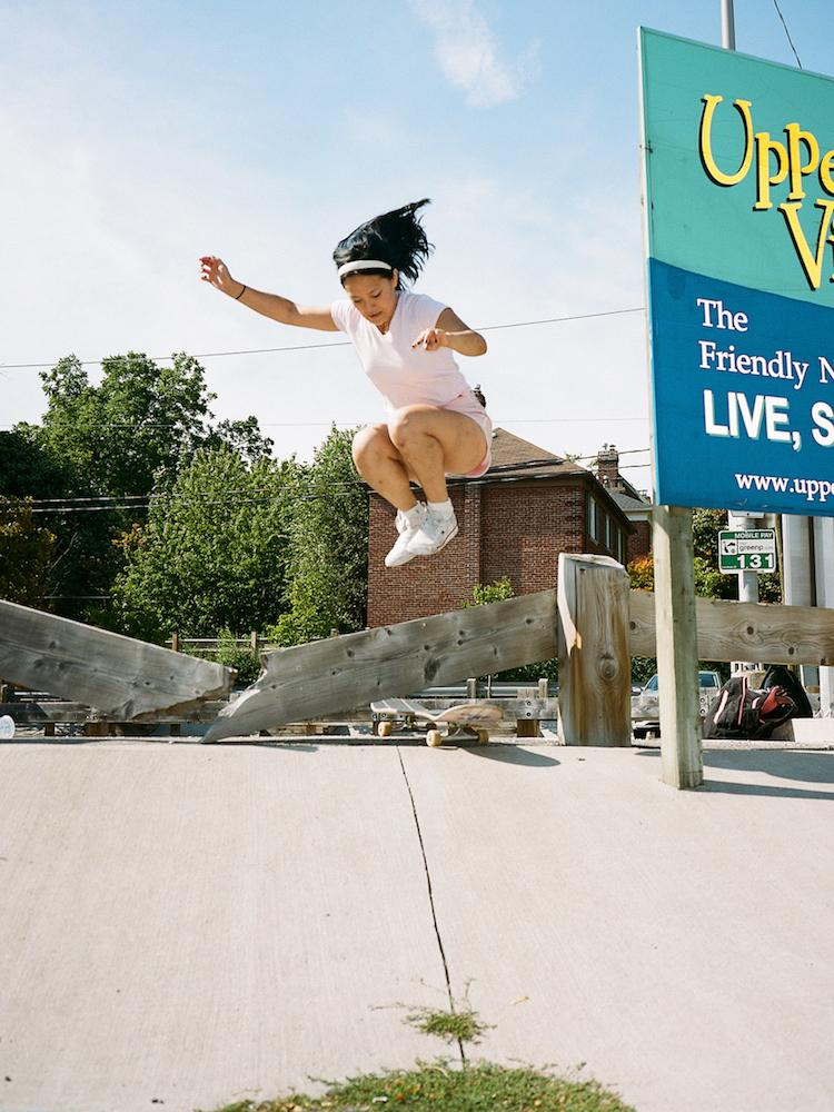 the-skateboarding-girls-of-toronto-AARON-WYNIA-vinegret (2)