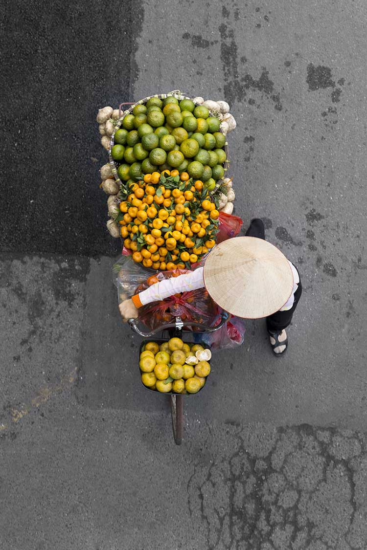 vietnam-vendors-from-above-vinegret-1