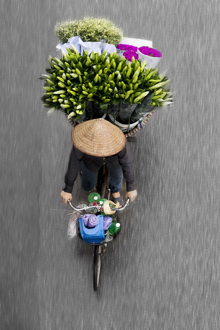 vietnam-vendors-from-above-vinegret-12