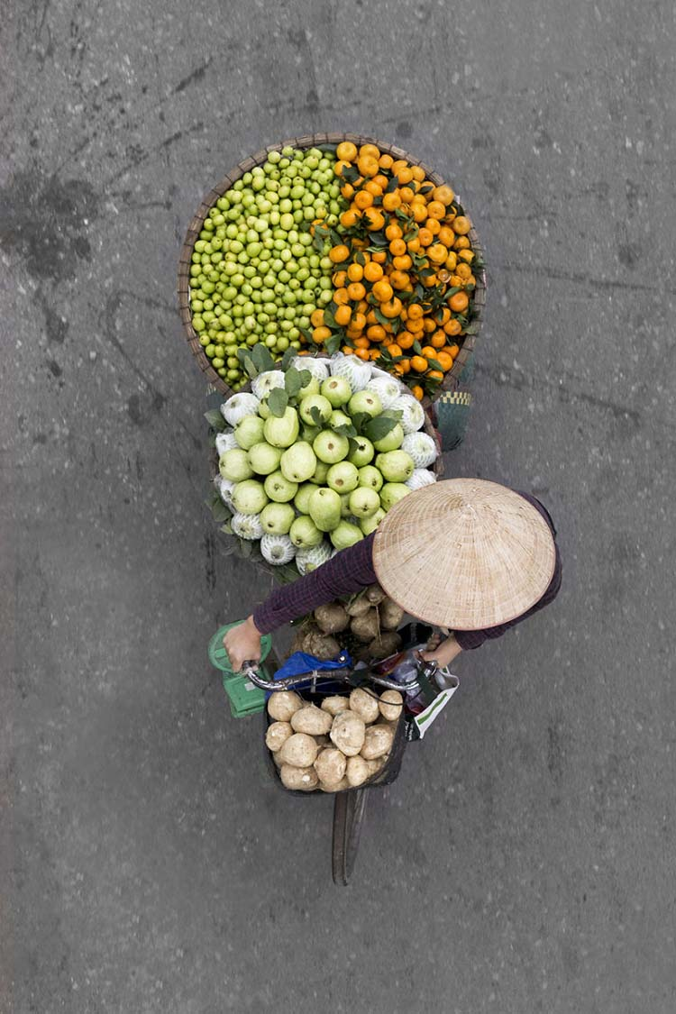 vietnam-vendors-from-above-vinegret-2