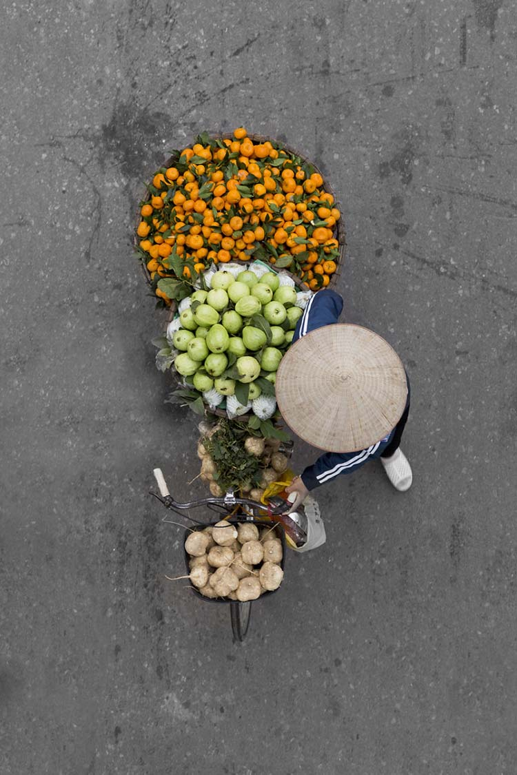 vietnam-vendors-from-above-vinegret-4