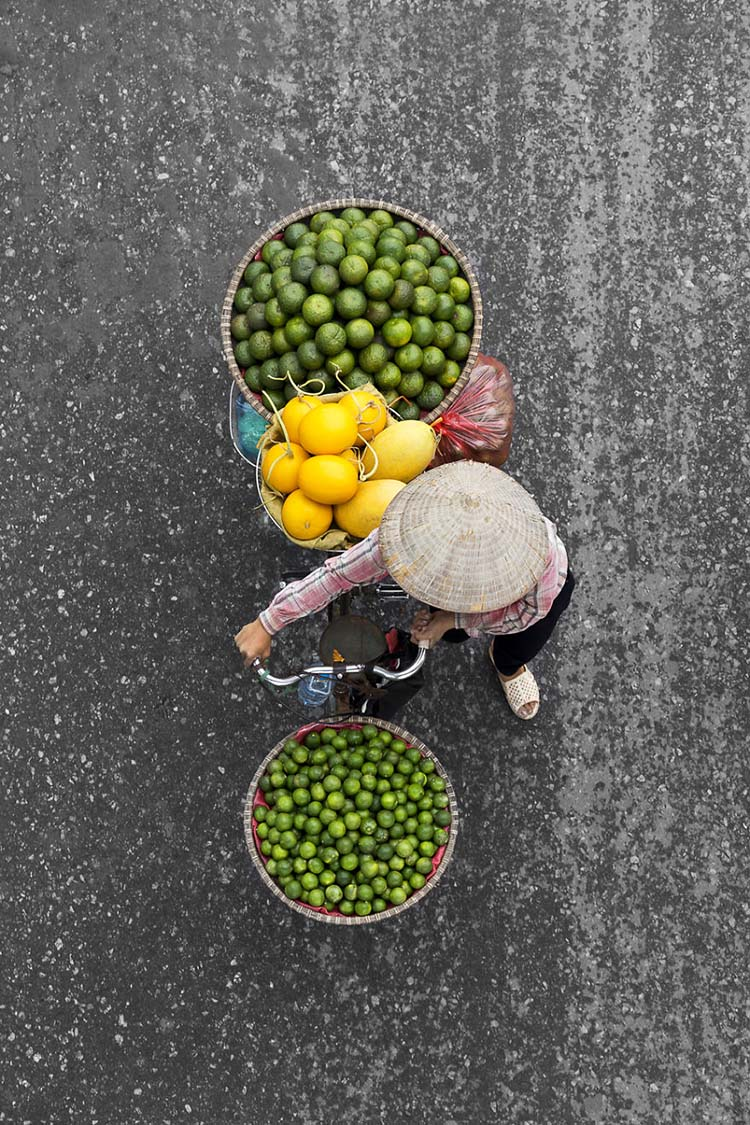 vietnam-vendors-from-above-vinegret-5