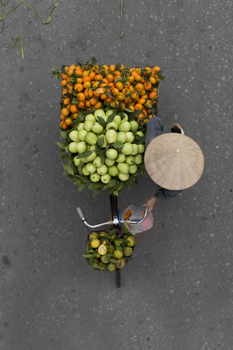 vietnam-vendors-from-above-vinegret-8