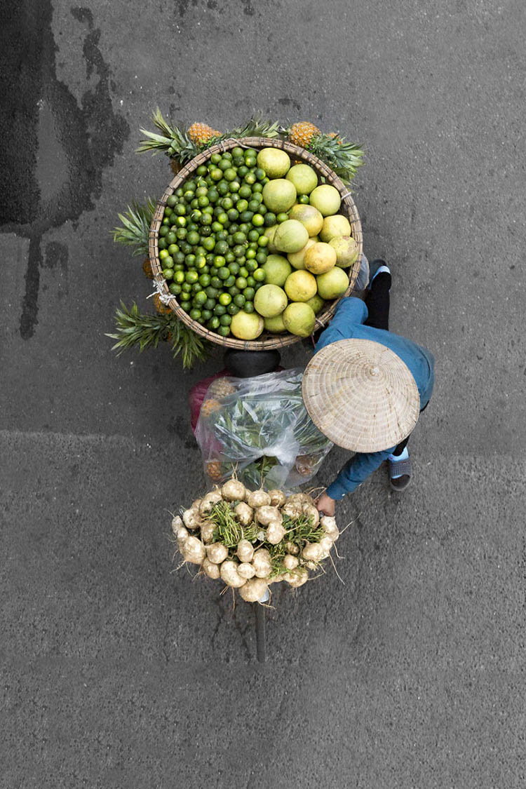 vietnam-vendors-from-above-vinegret-9