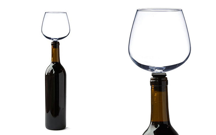 wine-bottle-glass-guzzle-buddy-vinegret-1