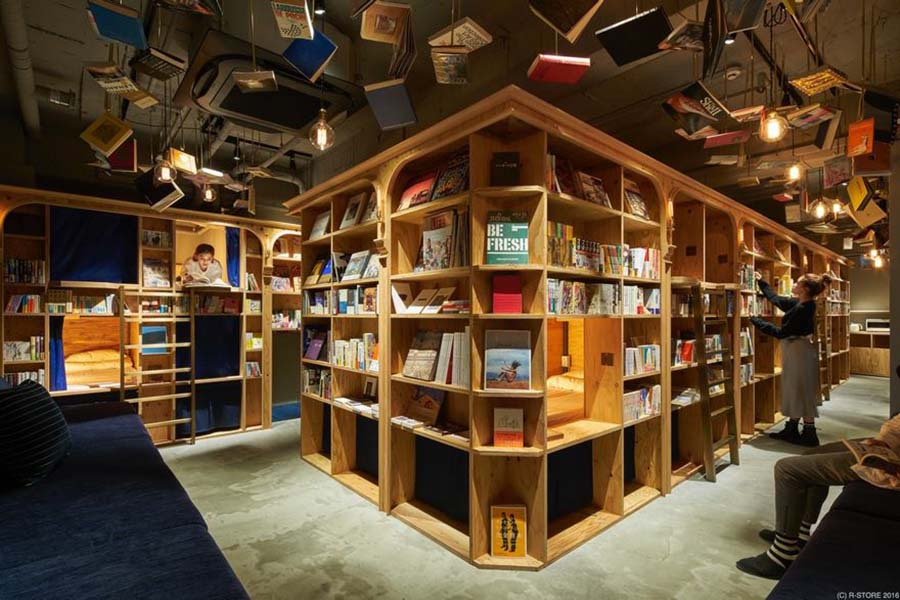 bookstore-hostel-book-and-bed-tokyo-kyoto-vinegret-1